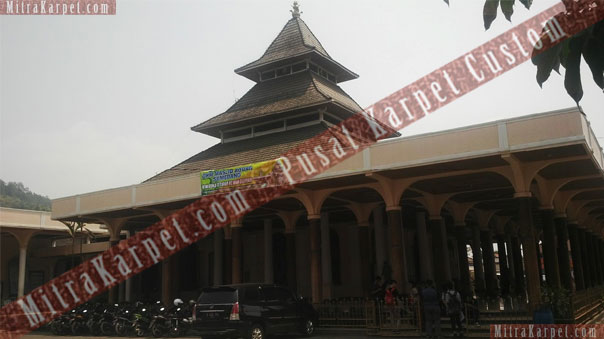 project-karpet-masjid-agung-sumedang-jawa-barat1