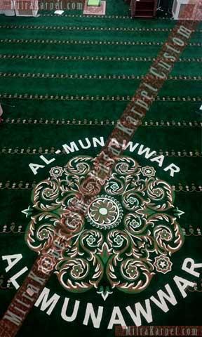 Hasil pemasangan karpet masjid Al Munawwar Balikpapan tampak indah dan berkesan
