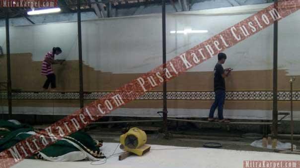 Proses Pengerjaan Karpet Masjid Al–Fattah Tasikmalaya Jawa Barat
