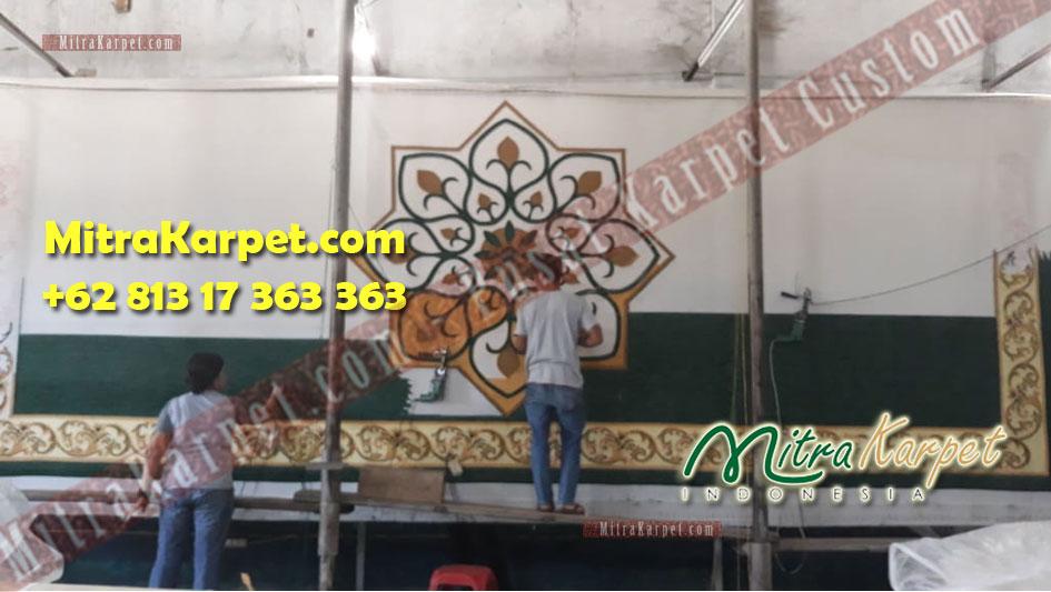 Proses pembuatan pabrik karpet Masjid di Kecamatan Tanjung Uban
