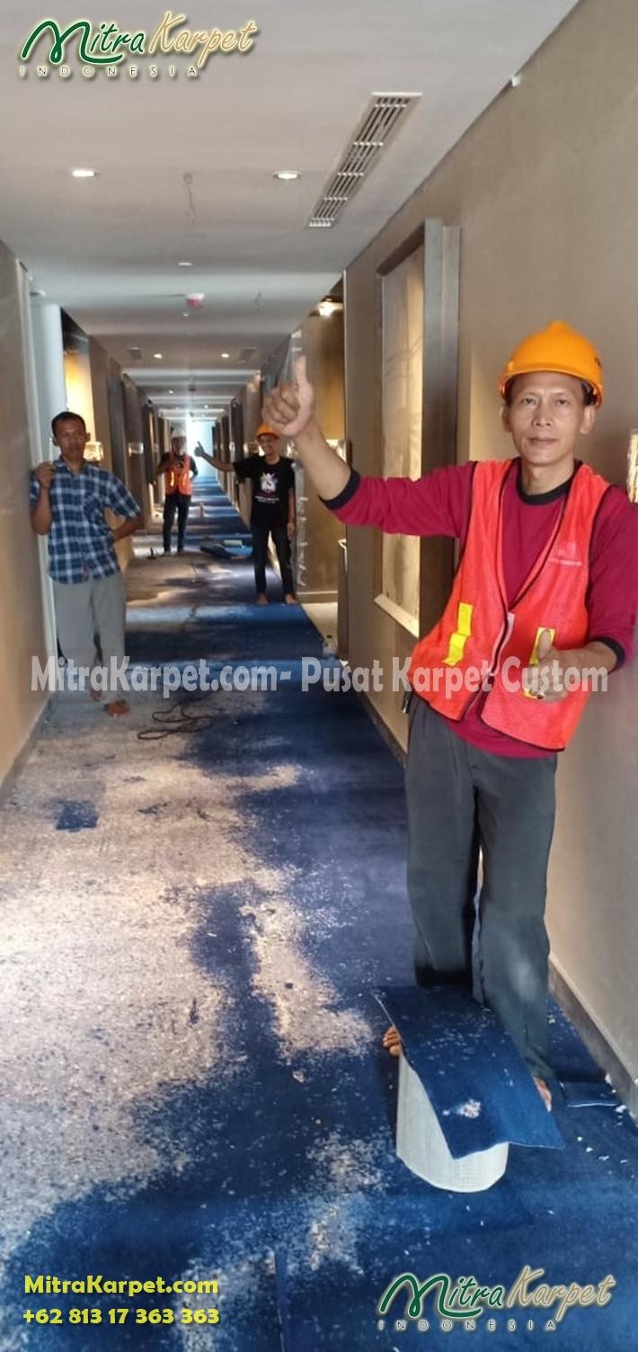 terpasang karpet koridor hotel surabaya double tree